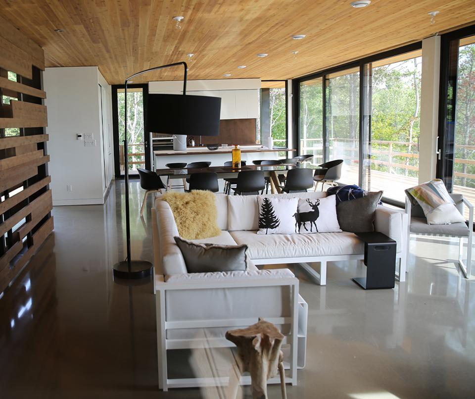 salon moderne vitré